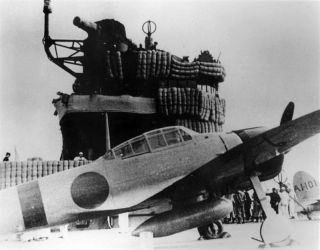 800px-a6m2_on_carrier_akagi_1941